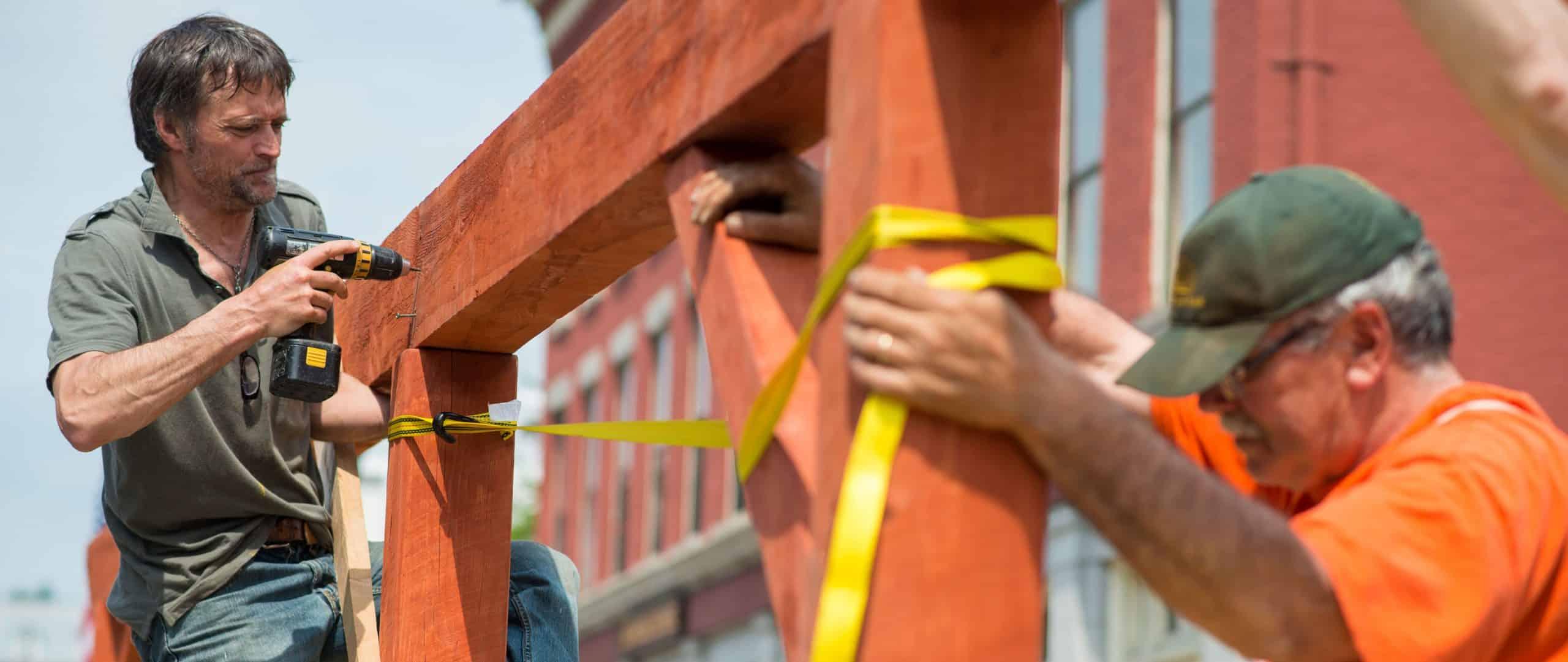 installing parklet, montpelier, vermont, teamwork, building